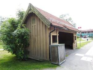 Eddavägslinjen, Germania hållplatsbyggnad, flyttad till Djursholms torg