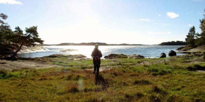 sandemars-naturreservat-sonen-blickar-ut-over-havet